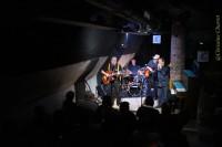 Dans le joli cocon du Jazz Club, au loin, le blues résonne !! ;o)